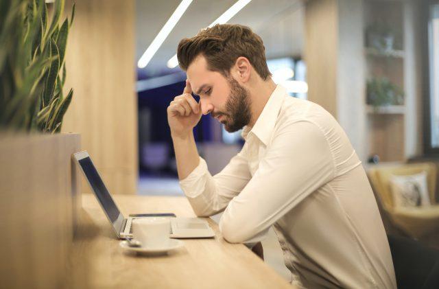Jak wybrać wydajny i bezpieczny Internet dla firm?